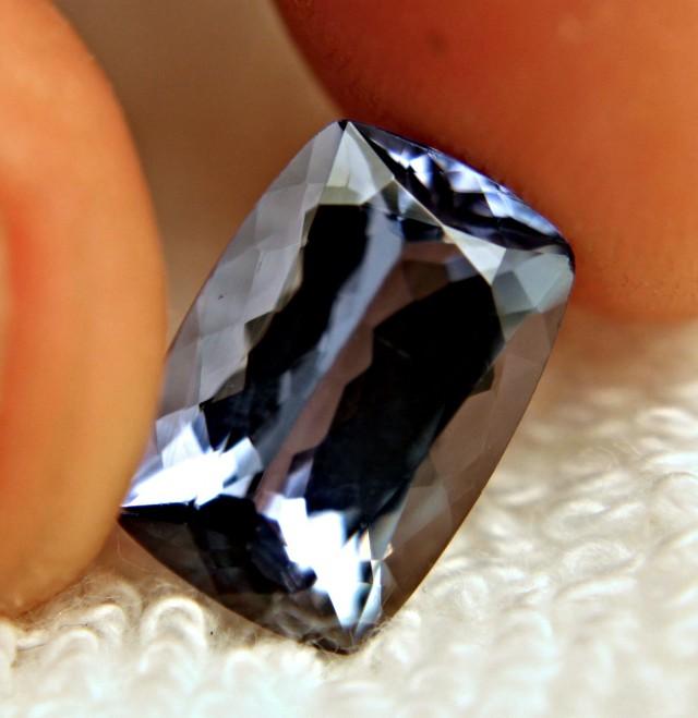 GIA CERTIFIED - 5.84 Carat Vibrant Blue Violet IF/VVS1 Tanzanite