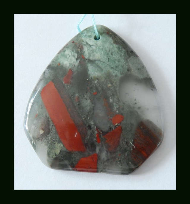 113 Cts Natural African Bloodstone Pendant Bead(N017)
