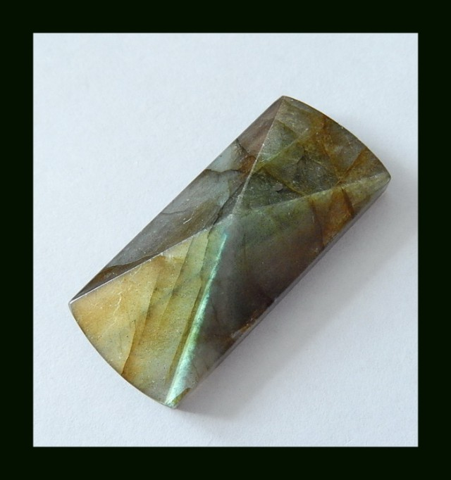 45 Cts Faceted Labradorite Cabochon