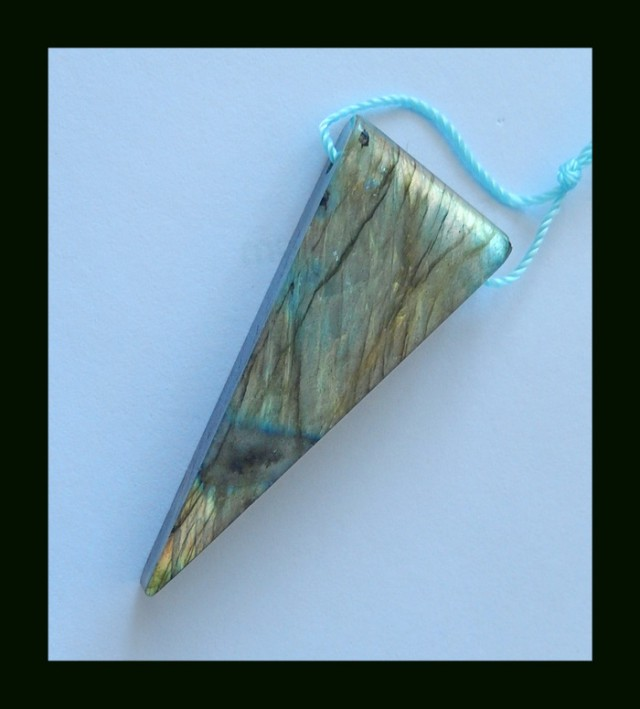 39 Cts Natural Triangle Earring Pendant Beads