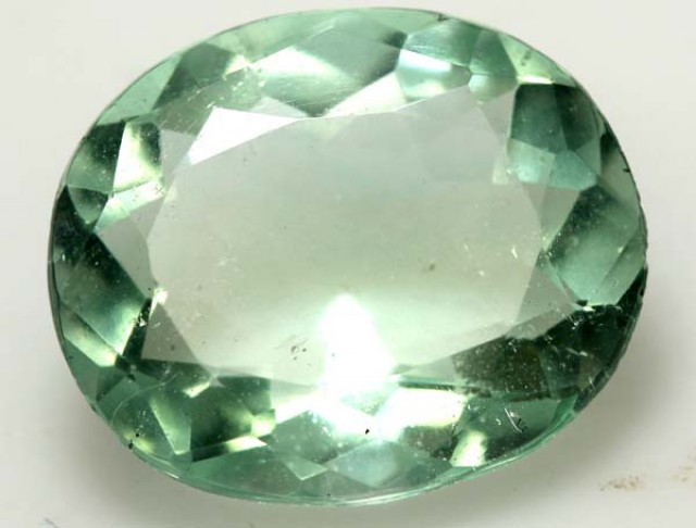 GREEN  FLOURITE 15  CTS PG-1687