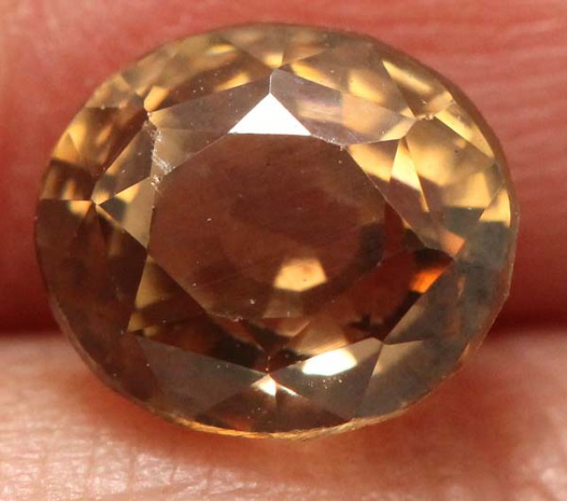 1.95  CTS BEAUTIFUL ZIRCON   CG-1855   GC