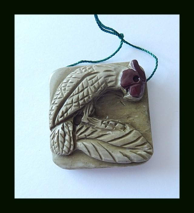Chohua Jasper Bird Carved Pendant Bead,140.5 Cts