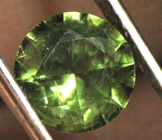 GREEN SAPPHIRE FACETED  0.95   CTS P-5