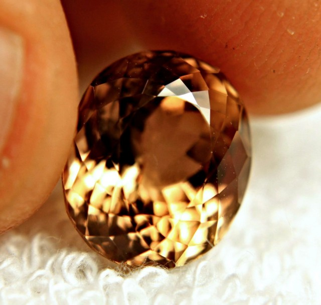 10.38 Carat Golden Brown VVS Topaz