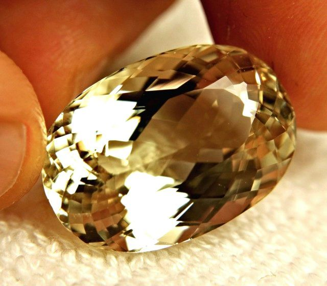 CERTIFIED - 57.57 Carat Natural Himalayan Spodumene / Triphane - Superb