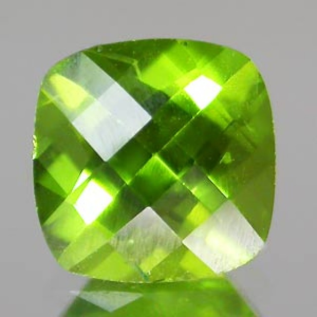 VERY NICE HIGH QUALITY PERIDOT CUSHION CHECKBOARD CUT 6 MM