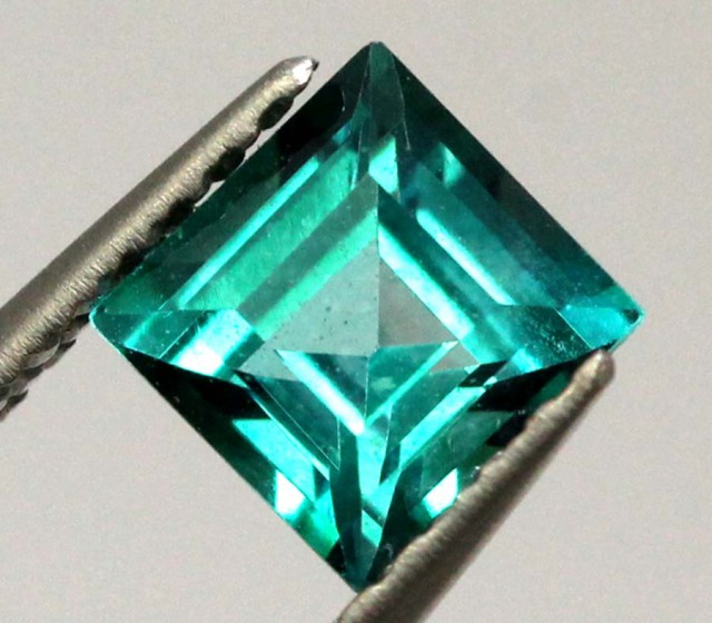 0.65 CTS GREEN QUARTZ FACETED  CG-1864