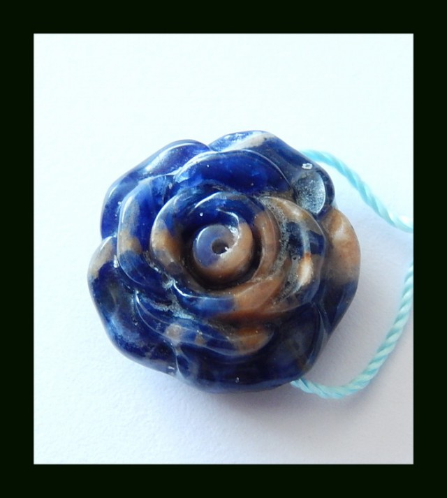 Untreated Sodalite Flower Carving Charm Bead,20.75 Cts