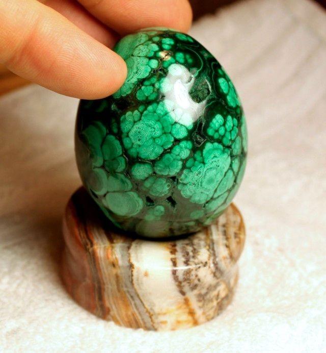 1621 Carat Malachite Egg with Agate Pedestal - Elegant