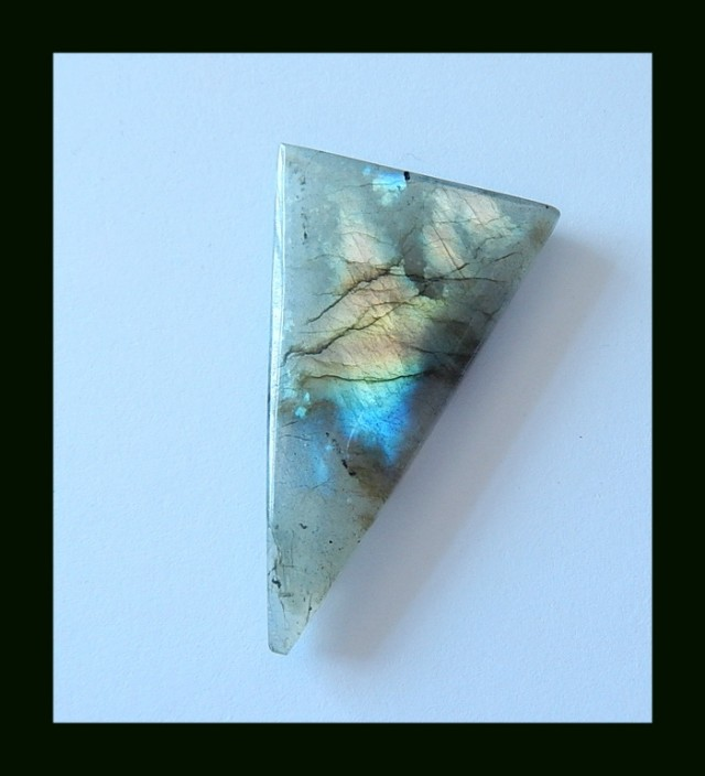 49.5 cts Triangle Labradorite Gemstone