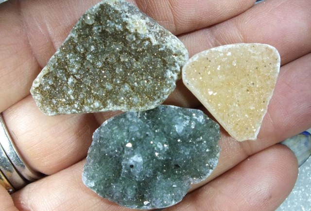71.50 CTS Untreated Crystalized Druzy Parcel (3pcs) ANGC-102