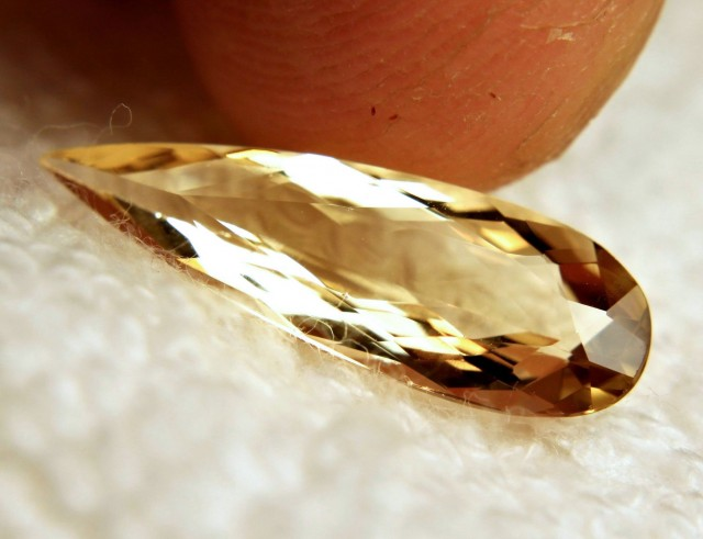3.55 Carat VVS South American Golden Beryl