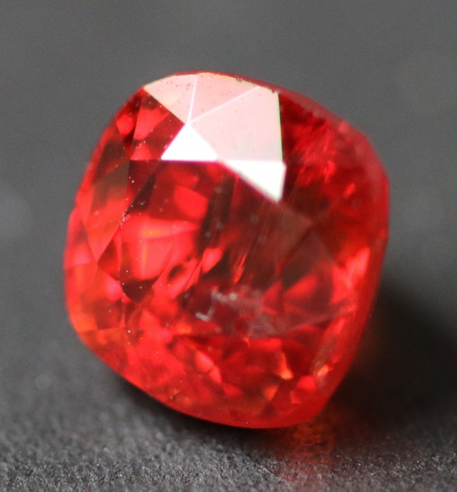 1.15 CTS RED \ORANGE  BURMESE SPINEL [SNP164]