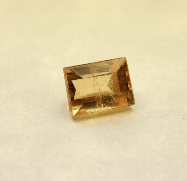 YELLOW PRECIOUS TOPAZ NATURAL