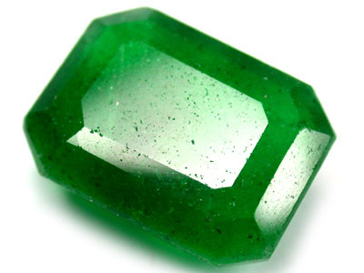 Quartz Emerald Green colour   12.80  carats   QU67