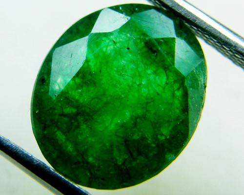 Quartz Emerald Green colour  3.80   carats   QU128