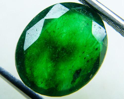Quartz Emerald Green colour  4.05   carats   QU134