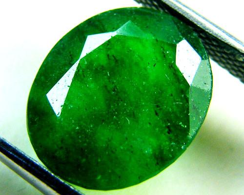Quartz Emerald Green colour   4.40  carats   QU149