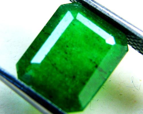 Quartz Emerald Green colour   2.90  carats   QU150