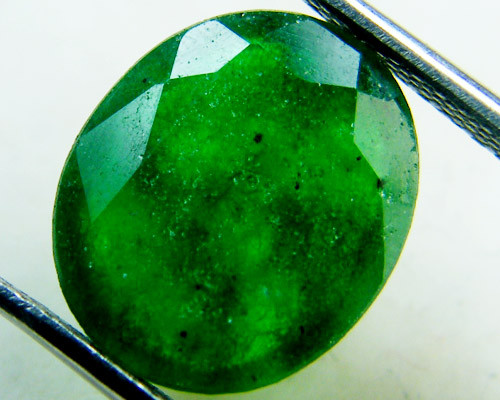 Quartz Emerald Green colour  4.70   carats   QU158