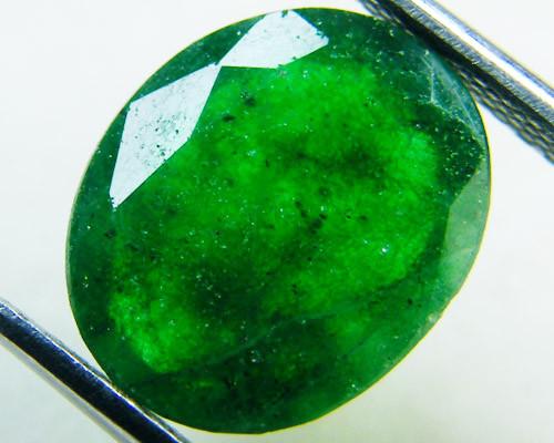 Quartz Emerald Green colour  3.80   carats   QU167
