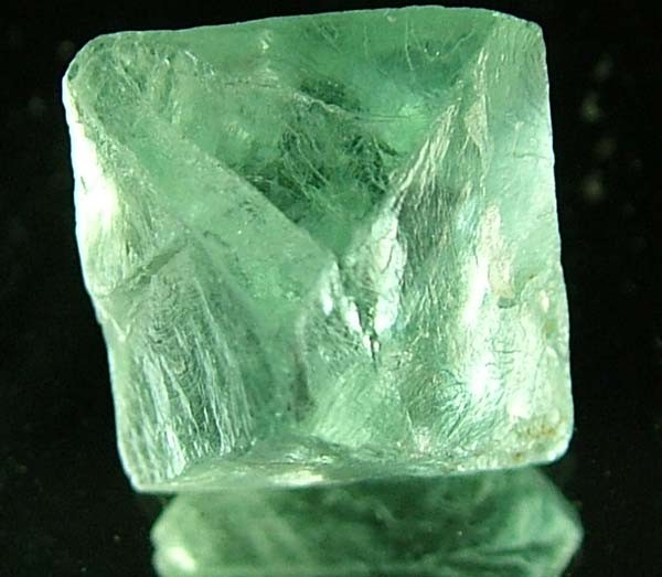 NATURAL FLUORITE CRYSTALS FROM ARGENTIA 10 CTS [MX557]