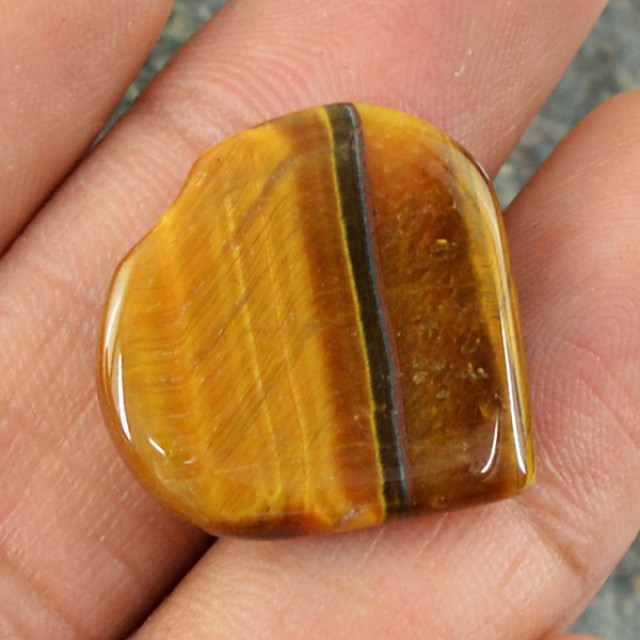 Genuine 16.15 Cts Heart Shaped Golden Tiger Eye Cab
