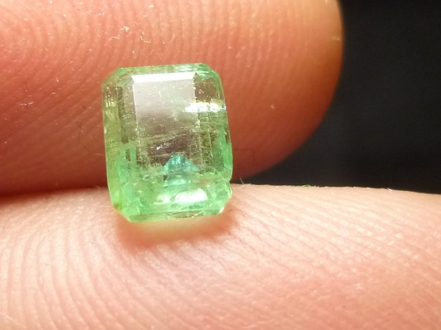 1.29cts Colombian Emerald , 100% Natural Gemstone