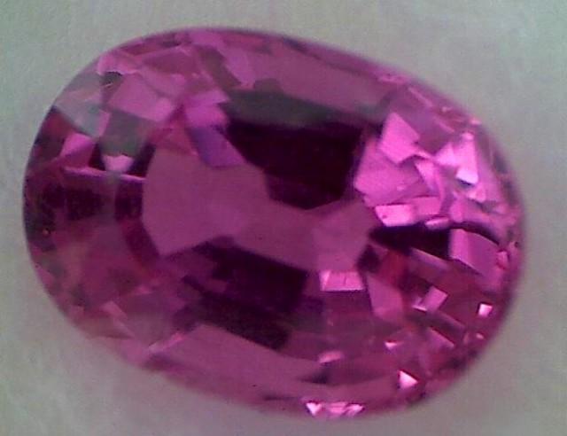 Breathtaking Purple Pink 'Bubble Gum Pink' Sapphire VVS GAT05