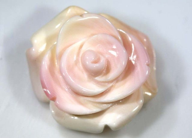 25.9 CTS CONCH SHELL ROSE CARVING HALF DRILLED LT-346