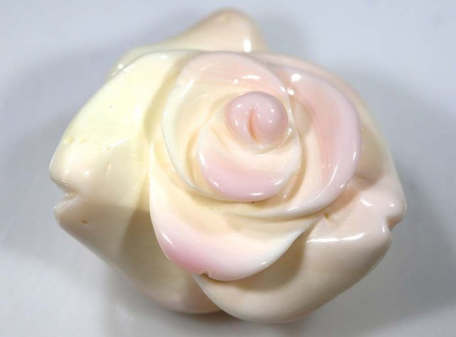 29.45 CTS CONCH SHELL ROSE CARVING HALF DRILLED LT-347