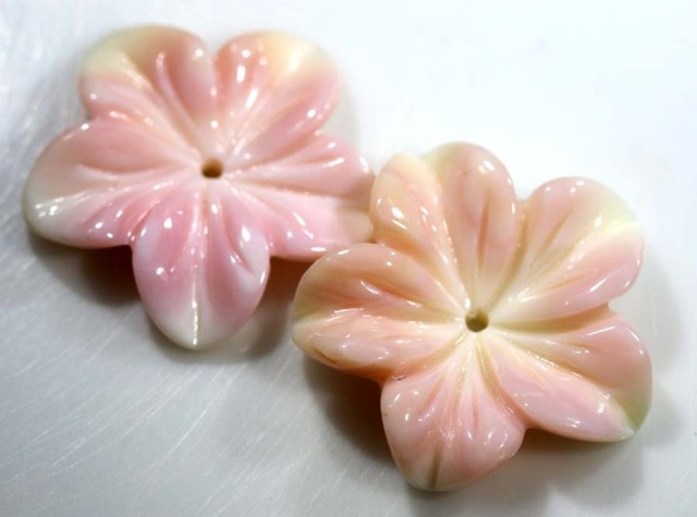 11.80 CTS CONCH SHELL FLOWER PAIR DRILLED LT-365