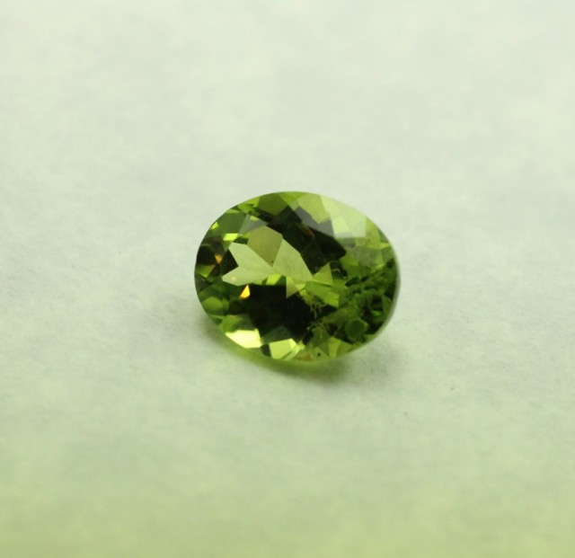 PERIDOT OVAL SHAPED GEM QUALITY