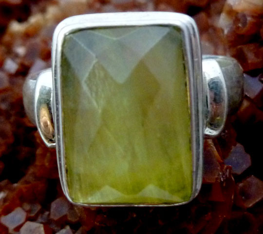 Large Prenite 925 sterling silverRing size  9     RT983