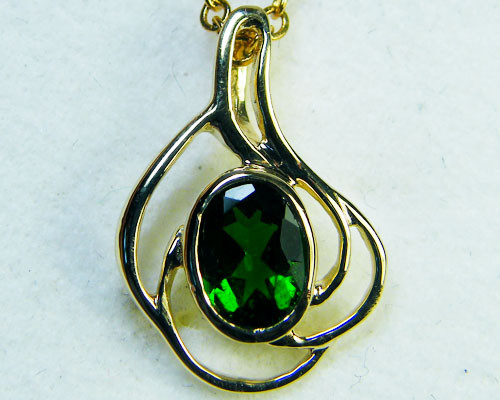 CHROME DIOPSIDE 14K YELLOW GOLD PENDANT 1.5 CTS  MY228