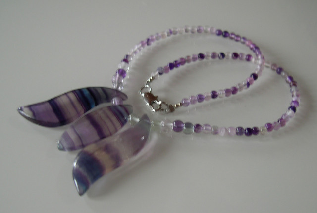 BEAUTIFUL NATURAL FLUORITE NECKLACE 44CMS