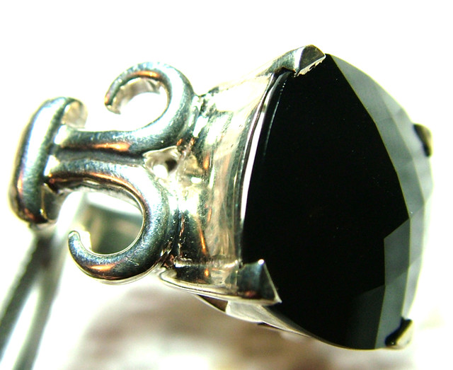 ONYX    SILVER  RING  69 CTS  SG-2104