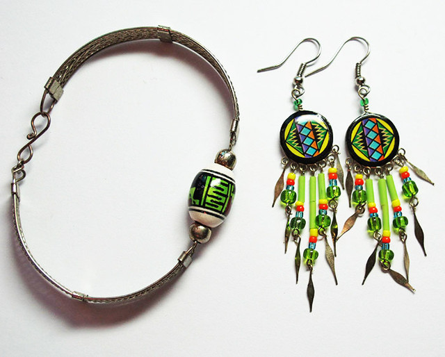 PERUVIAN EARRING AND BRACELET INCA DESIGN [PLT83]