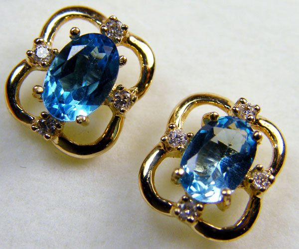 BEAUTIFUL BLUE TOPAZ  14 K GENUINE DIAMONDS  EAR    MY 911