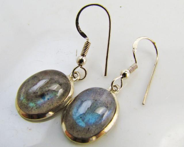 Labradorite in Sheppard  Silver Earrings   10  MJA 983