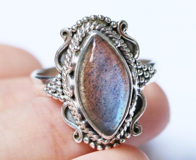 Labradorite in Silver Ring Size 7.5 BU 1523
