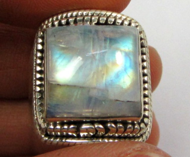 LARGE MOONSTONE SILVER RING SIZE9.5    GG 1010