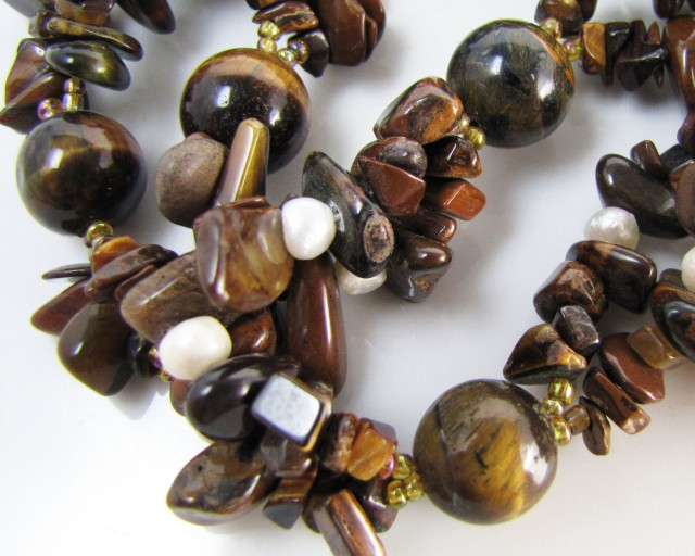 500 Cts bright  Tiger eye Necklace MJA 1102
