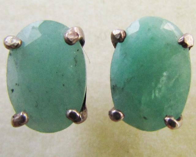 Emerald in silver Earring  MJA 1270