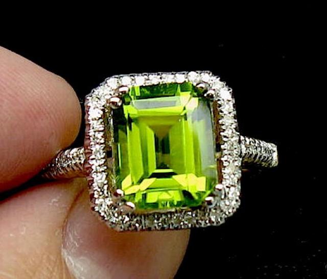 Solid 14Kt Yellow Gold Natural VVS Green Peridot Diamonds Wedding Ring 4.22