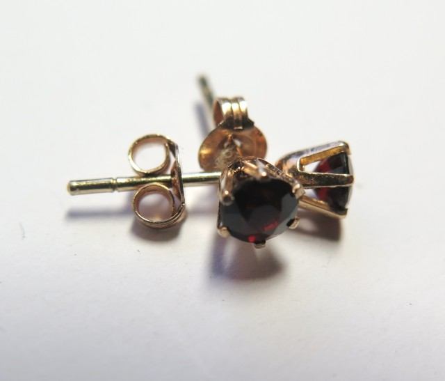 Natural Garnet 9k Yellow Gold Stud Earrings