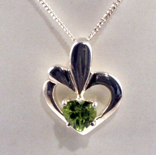 Sterling Silver Necklace & Genuine Peridot Pendant (SSN-04