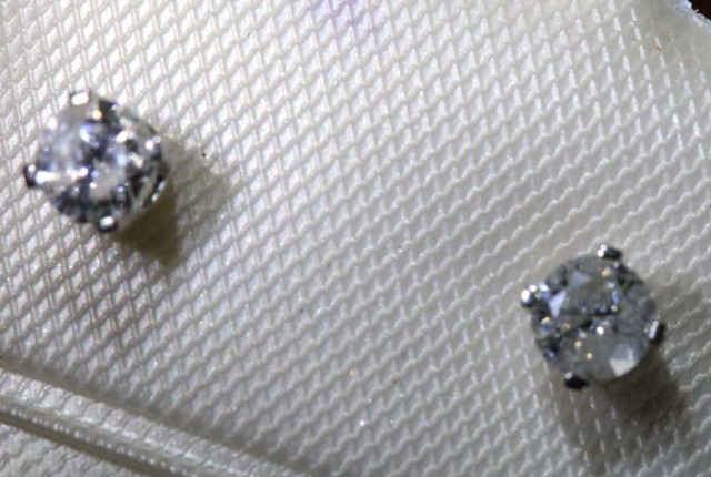 2.30 CTS DIAMOND EARRINGS SG-47