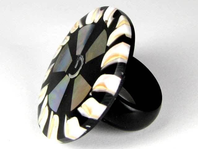 PEARL SHELL INTARSIA RING SIZE 8.5   AAT 1684
